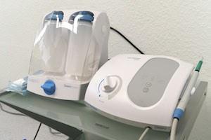 Geräte die in der Parodontologie in der Zahnarztpraxis in der Nordstadt von Hannover zum Einsatz kommen