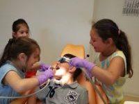 Kindertag-Zahnarztpraxis-Jguburia
